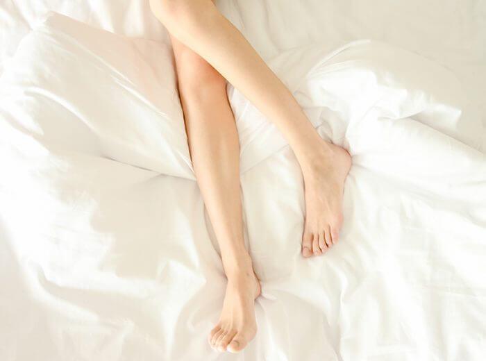 翌朝すっきり!脱むくみでほっそり脚を目指す方法とは?